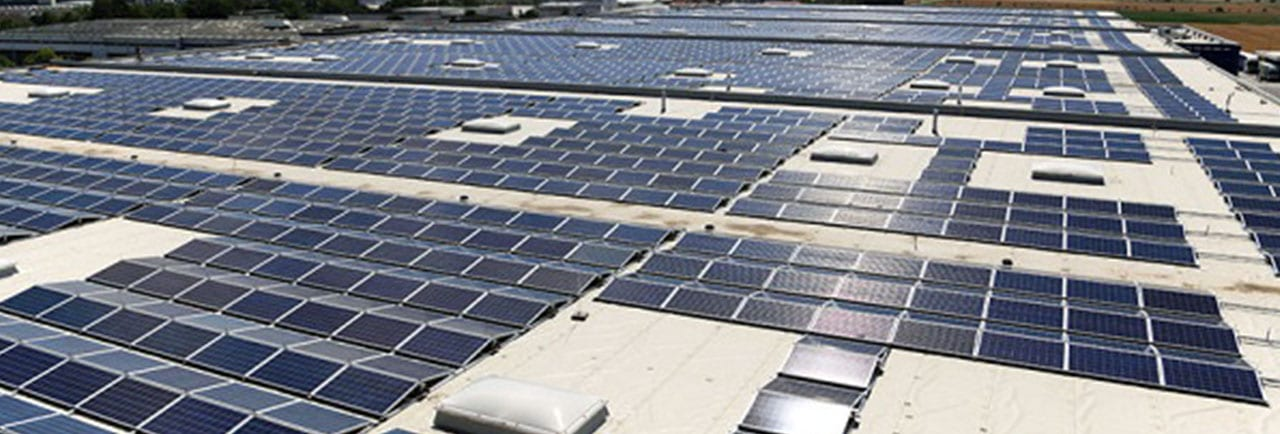 Rooftop solar plant on the Pfenning Logistics distribution center in Germany, installed capacity of 8.1 megawatts. Source: EARTHTECHLING, Meet Germany's Biggest Rooftop Solar Power Plant