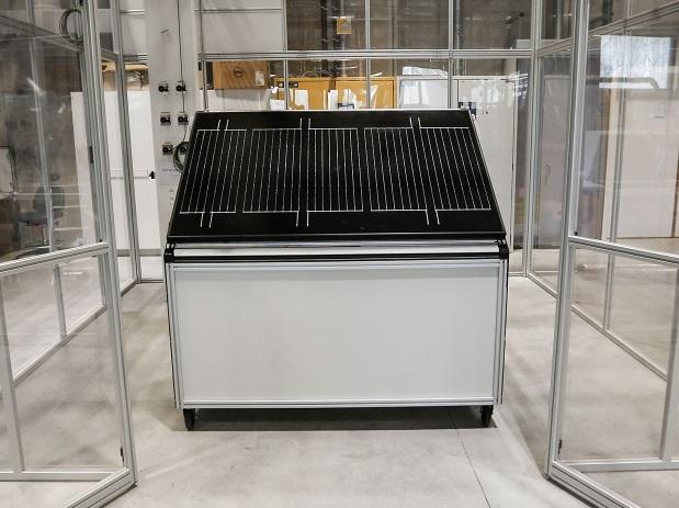 Мал. 5. Сонячна панель розщеплює воду для виробництва водню. Джерело: Solar Panel Splits Water to Produce Hydrogen, https://spectrum.ieee.org, Mar'19.