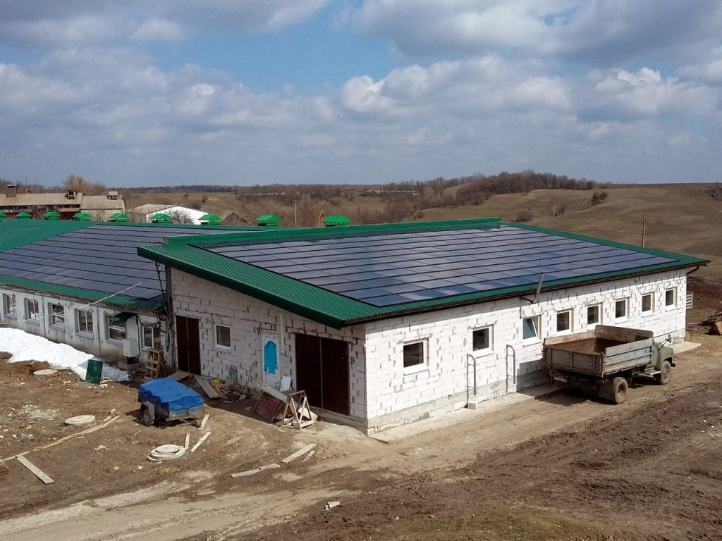 "Дахова BIPV сонячна електростанція ""Вільховець"""