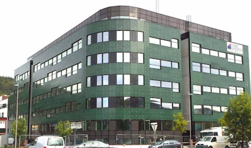 Здание для офисов «Солнечный Изумруд»